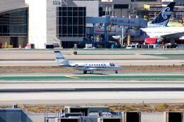 まいけるさんが、ロサンゼルス国際空港で撮影したアメリカ企業所有 560 Citation Encore+の航空フォト(飛行機 写真・画像)