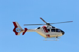 PW4090さんが、神戸空港で撮影した学校法人ヒラタ学園 航空事業本部 EC135P2+の航空フォト(飛行機 写真・画像)