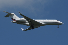 Deepさんが、成田国際空港で撮影したNetJets Europe BD-700-1A10 Global 6000の航空フォト(飛行機 写真・画像)