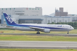 HEATHROWさんが、伊丹空港で撮影した全日空 767-381/ERの航空フォト(飛行機 写真・画像)