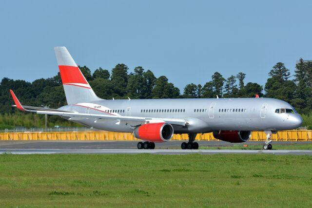 航空フォト:9H-AVM ジェットマジック 757-200