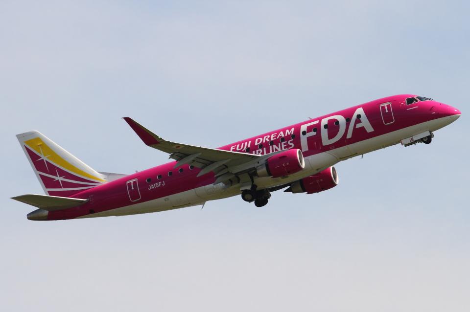 B14A3062Kさんのフジドリームエアラインズ Embraer 175 (JA15FJ) 航空フォト
