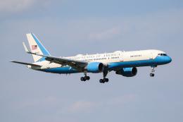 PONαさんが、横田基地で撮影したアメリカ空軍 C-32A (757-2G4)の航空フォト(飛行機 写真・画像)