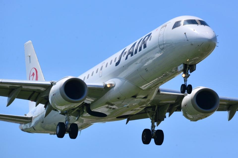 md11jbirdさんのジェイエア Embraer 190 (JA243J) 航空フォト