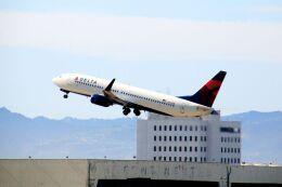 まいけるさんが、ロサンゼルス国際空港で撮影したデルタ航空 737-832の航空フォト(飛行機 写真・画像)