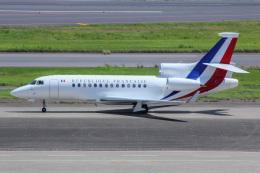 しゃこ隊さんが、羽田空港で撮影したフランス空軍 Falcon 7Xの航空フォト(飛行機 写真・画像)