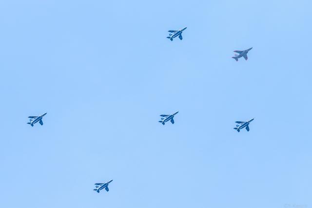 Y-Kenzoさんが、調布飛行場で撮影した航空自衛隊 T-4の航空フォト(飛行機 写真・画像)