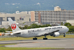 monjiro22001さんが、伊丹空港で撮影した日本航空 767-346/ERの航空フォト(飛行機 写真・画像)