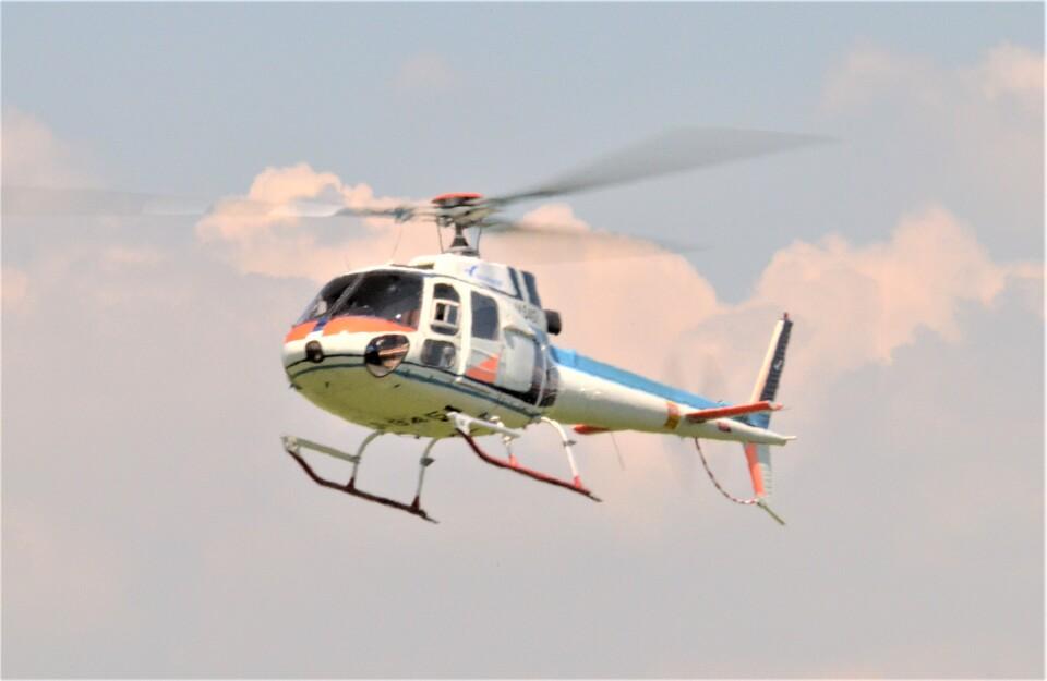 ヘリオスさんの中日本航空 Aerospatiale AS350 Ecureuil/AStar (JA9451) 航空フォト