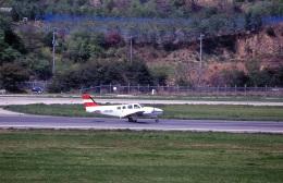 LEVEL789さんが、岡山空港で撮影したJALフライトアカデミー 58 Baronの航空フォト(飛行機 写真・画像)