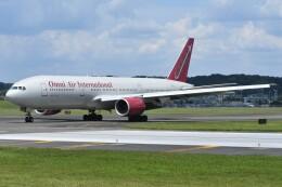 デルタおA330さんが、横田基地で撮影したオムニエアインターナショナル 777-2U8/ERの航空フォト(飛行機 写真・画像)