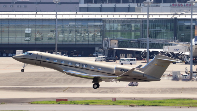 誘喜さんが、羽田空港で撮影したウィルミントン・トラスト・カンパニー G650ER (G-VI)の航空フォト(飛行機 写真・画像)