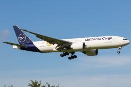 walker2000さんが、成田国際空港で撮影したルフトハンザ・カーゴ 777-Fの航空フォト(飛行機 写真・画像)