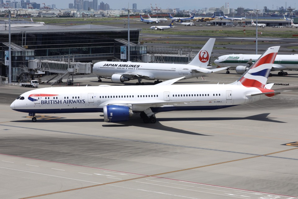 sky-spotterさんのブリティッシュ・エアウェイズ Boeing 787-9 (G-ZBKJ) 航空フォト