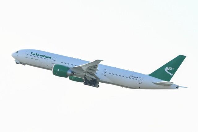 M.Tさんが、関西国際空港で撮影したトルクメニスタン航空 777-200/LRの航空フォト(飛行機 写真・画像)