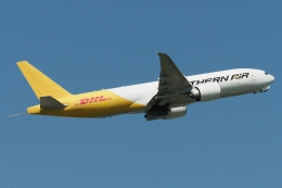 木人さんが、成田国際空港で撮影したサザン・エア 777-FZBの航空フォト(飛行機 写真・画像)