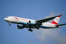 IMP.TIさんが、成田国際空港で撮影したオーストリア航空 777-2Z9/ERの航空フォト(飛行機 写真・画像)