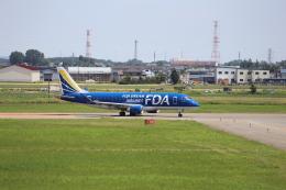 Musondaさんが、札幌飛行場で撮影したフジドリームエアラインズ ERJ-170-200 (ERJ-175STD)の航空フォト(飛行機 写真・画像)