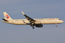 Deepさんが、成田国際空港で撮影した中国東方航空 A321-231の航空フォト(飛行機 写真・画像)