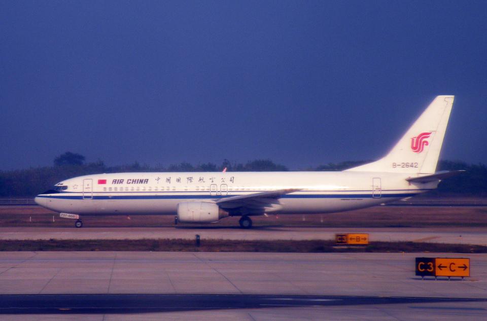 チャーリーマイクさんの中国国際航空 Boeing 737-800 (B-2642) 航空フォト
