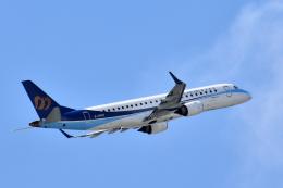 Take51さんが、那覇空港で撮影したマンダリン航空 ERJ-190-100 IGW (ERJ-190AR)の航空フォト(飛行機 写真・画像)