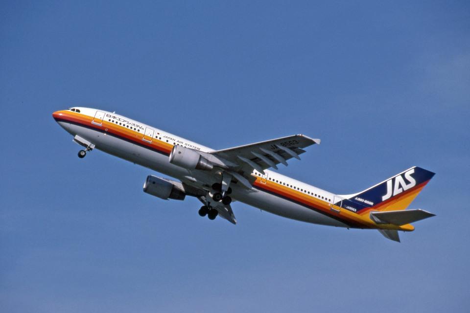 Gambardierさんの日本エアシステム Airbus A300-600 (JA8563) 航空フォト