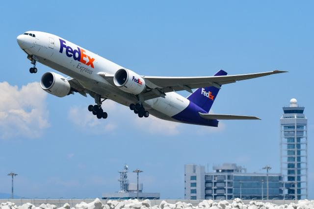 ROSENTHALさんが、関西国際空港で撮影したフェデックス・エクスプレス 777-FS2の航空フォト(飛行機 写真・画像)