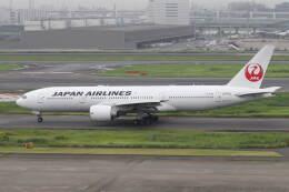 プルシアンブルーさんが、羽田空港で撮影した日本航空 777-246/ERの航空フォト(飛行機 写真・画像)