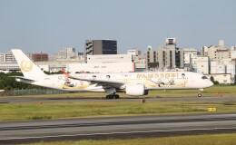 新城 JAL alpha rainbowさんが、伊丹空港で撮影した日本航空 A350-941の航空フォト(飛行機 写真・画像)