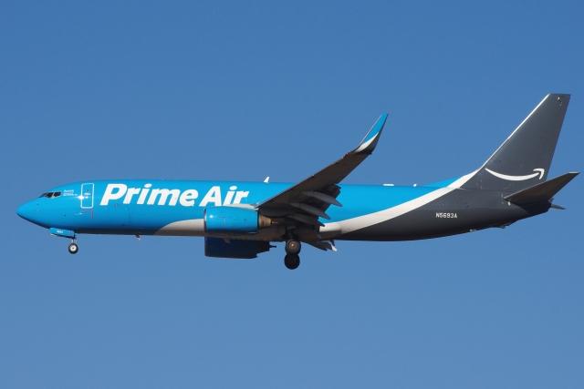 zettaishinさんが、ブラッドレー国際空港で撮影したアマゾン・エア 737-84P(BCF)の航空フォト(飛行機 写真・画像)