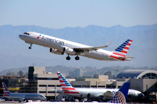 ロサンゼルス国際空港 - Los Angeles International Airport [LAX/KLAX]で撮影されたロサンゼルス国際空港 - Los Angeles International Airport [LAX/KLAX]の航空機写真(フォト・画像)