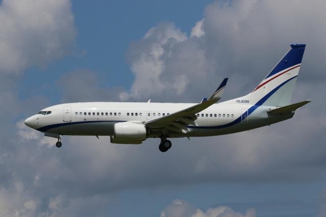 宮崎 育男さんが、成田国際空港で撮影した現代自動車 737-7GE(BBJ)の航空フォト(飛行機 写真・画像)