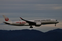 M.airphotoさんが、福岡空港で撮影した日本航空 A350-941の航空フォト(飛行機 写真・画像)
