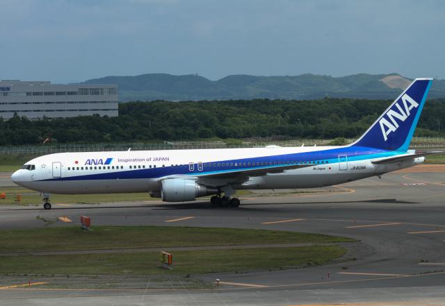 M.Chihara_1さんが、新千歳空港で撮影した全日空 767-381/ERの航空フォト(飛行機 写真・画像)