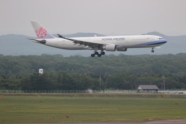 GNPさんが、新千歳空港で撮影したチャイナエアライン A330-302の航空フォト(飛行機 写真・画像)