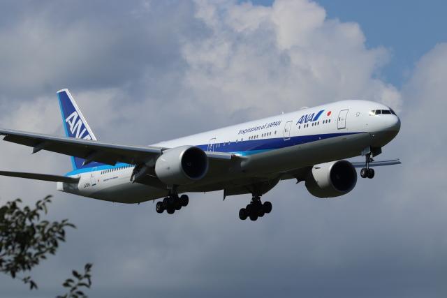 フレッシュマリオさんが、成田国際空港で撮影した全日空 777-381/ERの航空フォト(飛行機 写真・画像)