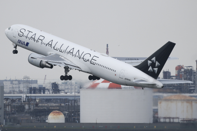 Sharp Fukudaさんが、羽田空港で撮影した全日空 767-381/ERの航空フォト(飛行機 写真・画像)