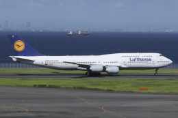 Sharp Fukudaさんが、羽田空港で撮影したルフトハンザドイツ航空 747-830の航空フォト(飛行機 写真・画像)