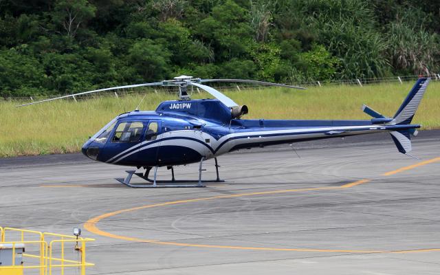CL&CLさんが、奄美空港で撮影した高橋ヘリコプターサービス AS350B2 Ecureuilの航空フォト(飛行機 写真・画像)