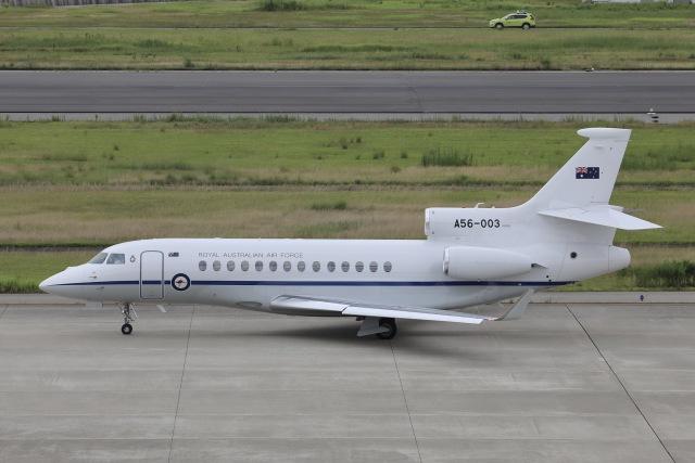 Hii82さんが、神戸空港で撮影したオーストラリア空軍 Falcon 7Xの航空フォト(飛行機 写真・画像)