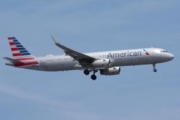 zettaishinさんが、ジェネラル・エドワード・ローレンス・ローガン国際空港で撮影したアメリカン航空 A321-231の航空フォト(飛行機 写真・画像)
