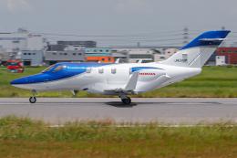 A.Tさんが、八尾空港で撮影した日本法人所有 HA-420の航空フォト(飛行機 写真・画像)