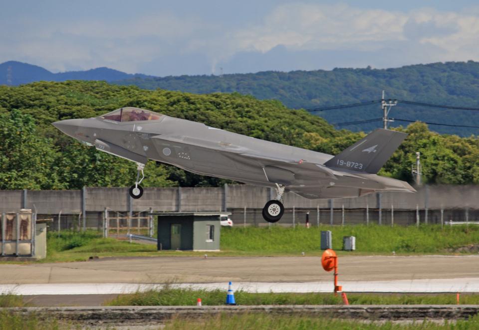 tsubameさんの航空自衛隊 Mitsubishi F-35 (19-8723) 航空フォト