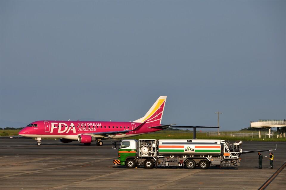 takamaruさんのフジドリームエアラインズ Embraer 175 (JA15FJ) 航空フォト