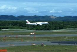yoshibouさんが、新千歳空港で撮影したジェイエア ERJ-190-100(ERJ-190STD)の航空フォト(飛行機 写真・画像)