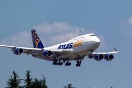 ファントム無礼さんが、横田基地で撮影したアトラス航空 747-446の航空フォト(飛行機 写真・画像)