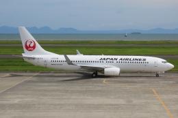 F.YUKIHIDEさんが、山口宇部空港で撮影した日本航空 737-846の航空フォト(飛行機 写真・画像)