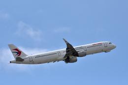 Take51さんが、那覇空港で撮影した中国東方航空 A321-211の航空フォト(飛行機 写真・画像)