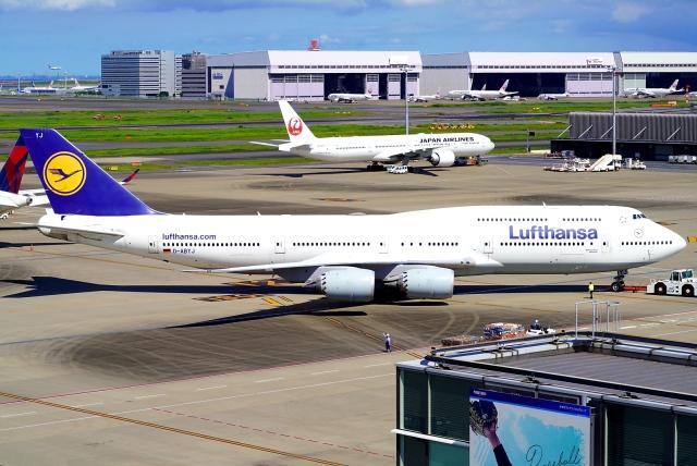 SFJ_capさんが、羽田空港で撮影したルフトハンザドイツ航空 747-830の航空フォト(飛行機 写真・画像)