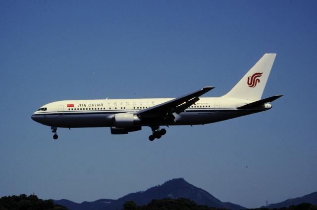 チャーリーマイクさんが、福岡空港で撮影した中国国際航空 767-2J6/ERの航空フォト(飛行機 写真・画像)